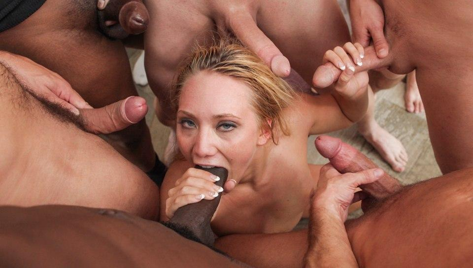 AJ Applegate In Facialized
