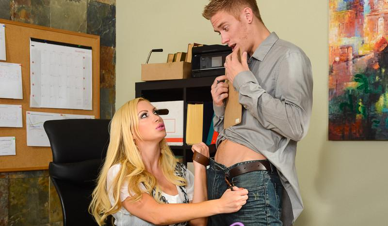 Nikki Benz in Naughty Office