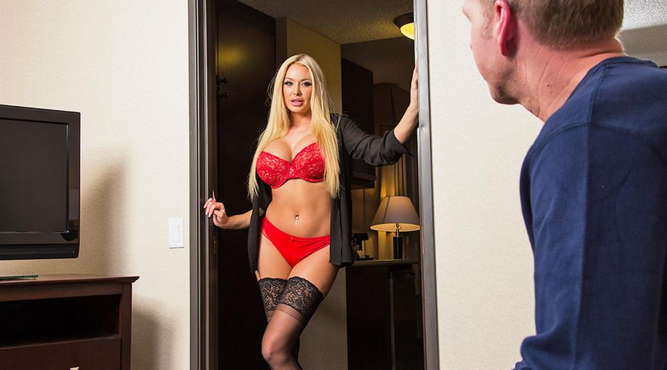 Summer Brielle - Submissive