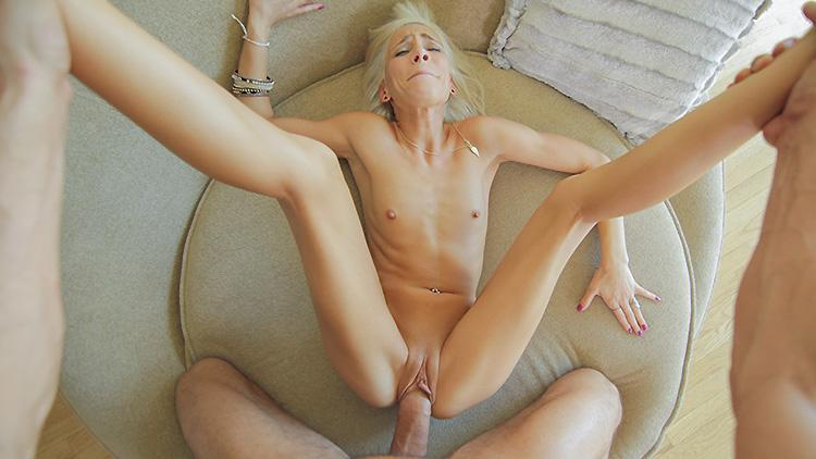 fucking-slim-women-amature-ebony-couples-having-sex